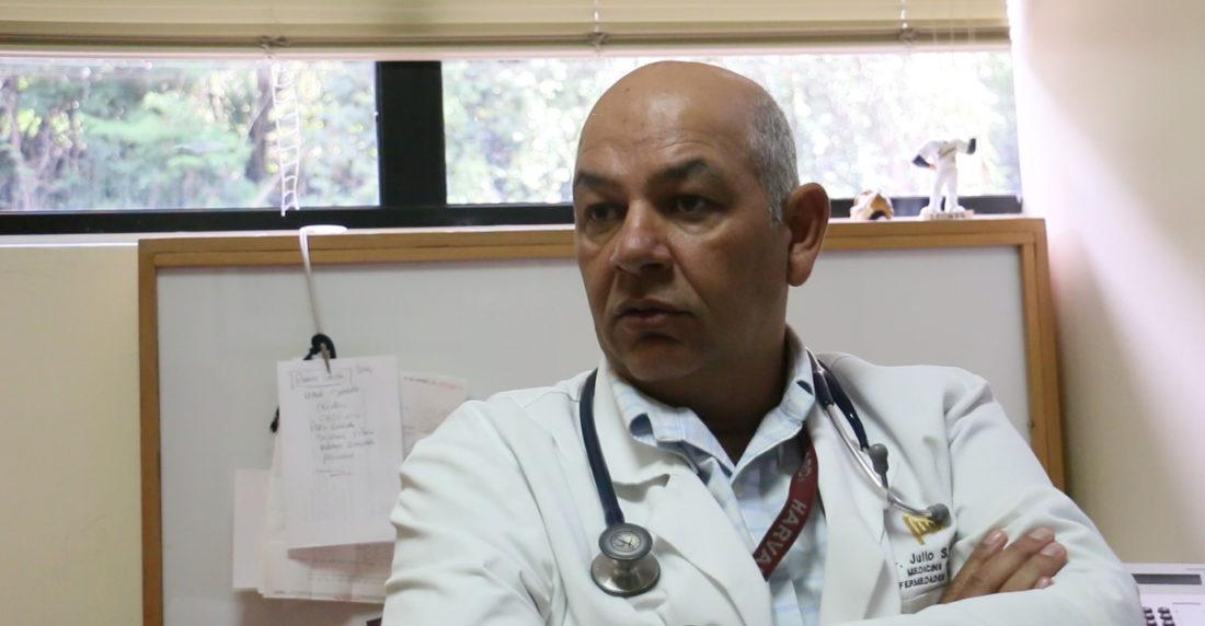 Infectólogo Julio Castro asegura que 84 de cada 100 pacientes de Covid-19 son asintomáticos y enfermos leves