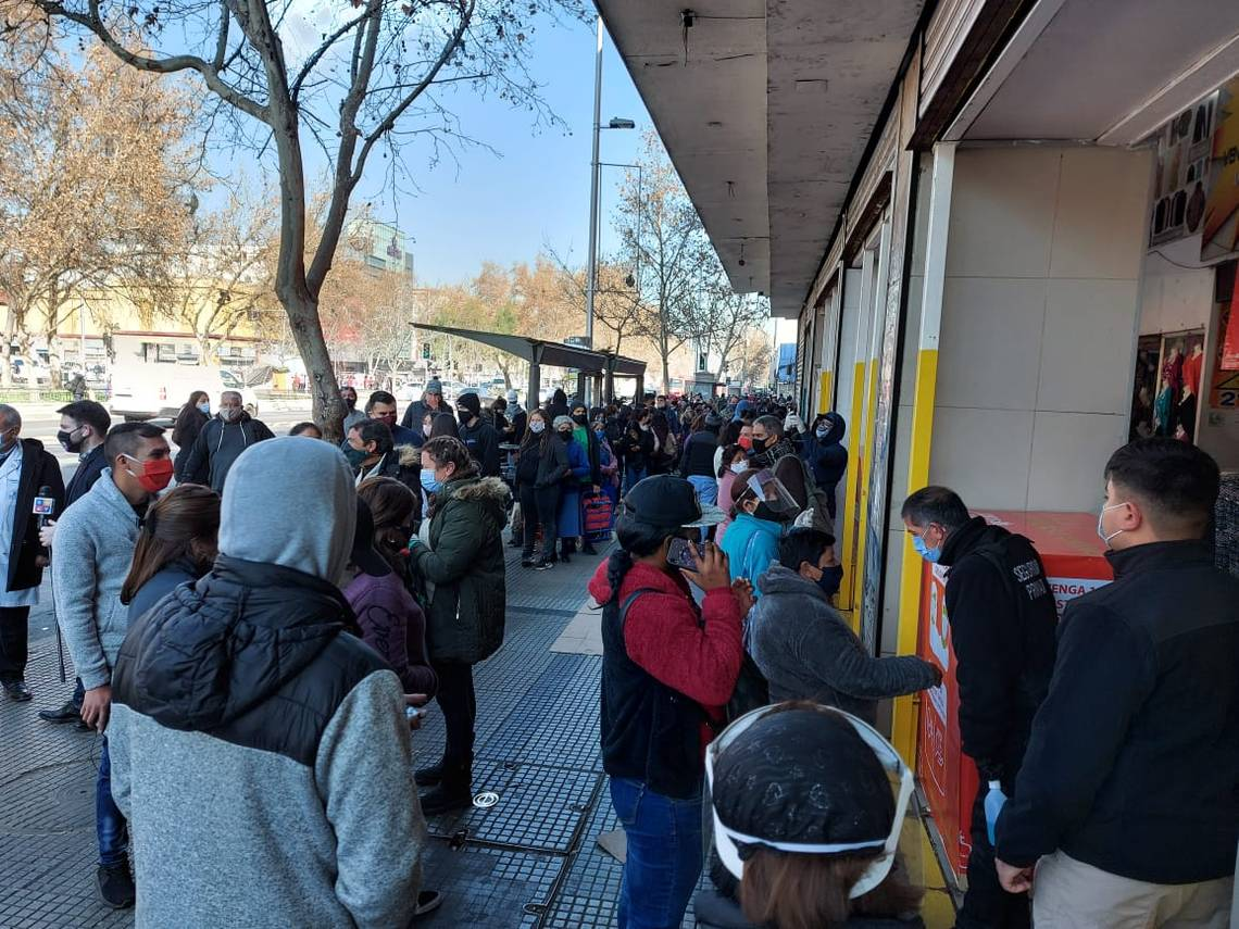 Clausuran Mall Chino en Santiago
