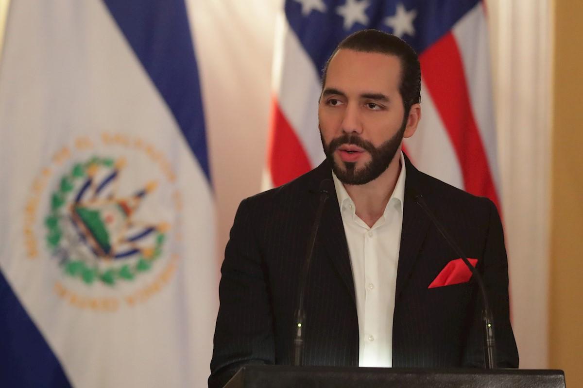 Presidente de El Salvador acusado de negocios con pandillas