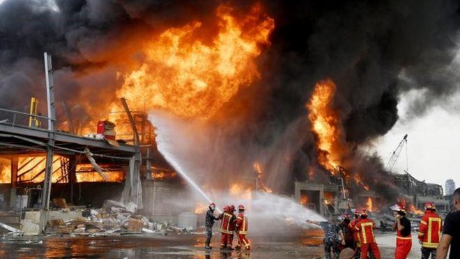 Última Hora | Se registra fuerte incendio en el puerto de Beirut