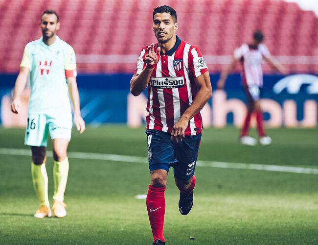Atlético golea con Suarez de figura