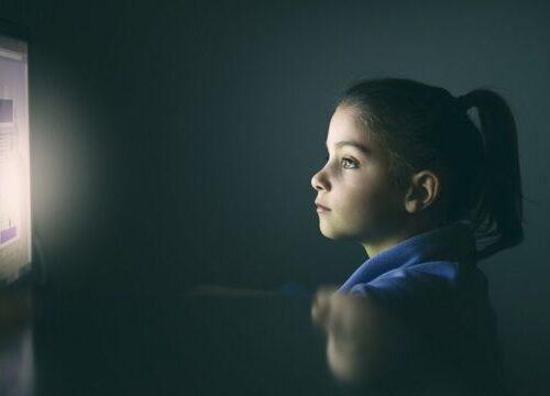 """Videojuegos y pantallas contribuyen a que niños tengan coeficiente intelectual más bajo que sus padres"""""""
