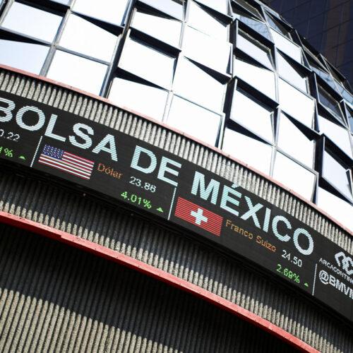 Monedas de América Latina cierran en alza por retroceso global del dólar
