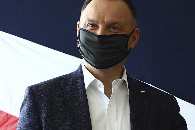 Presidente de Polonia da positivo para COVID-19