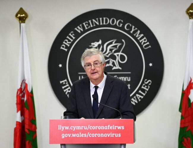 """Gales impone cierre de emergencia de dos semanas: """"todos deben quedarse en casa"""""""