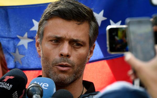 Leopoldo López se pronuncia tras su salida de Venezuela