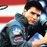 Tom Cruise recibe certificado de aviación naval por su interpretación en la película Top Gun