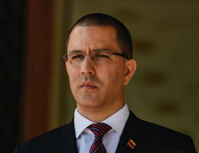 Jorge Arreaza confirmó que Henrique Capriles ha sostenido reuniones con el Gobierno Nacional en varias oportunidades
