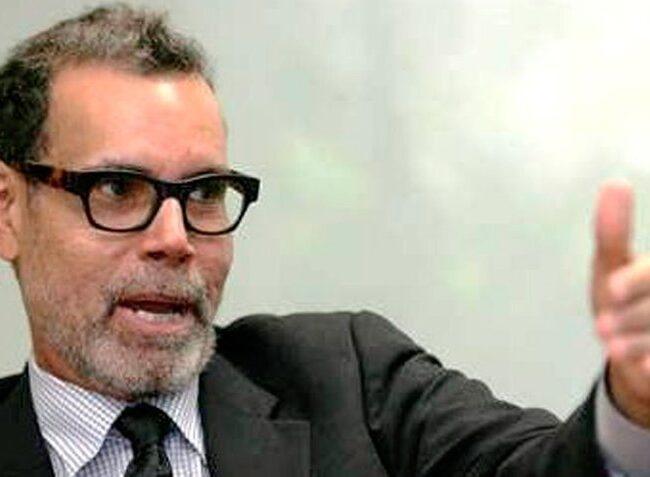 Luis Vicente León asegura que líderes de oposición y del gobierno no superan el 20% del respaldo nacional
