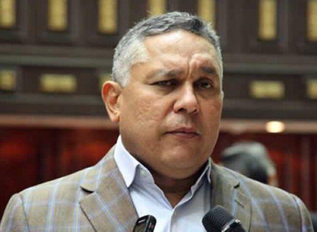 """Pedro Carreño: """"El bloqueo económico es el verdadero responsable de los problemas que afectan al país"""""""