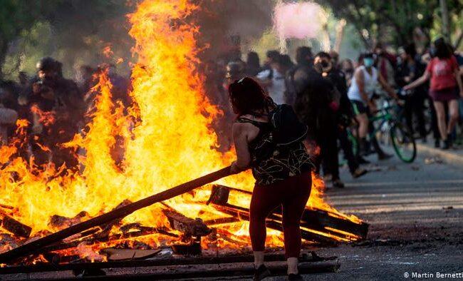 """Chile: Vuelven las manifestaciones a días del aniversario del """"Estallido Social"""""""