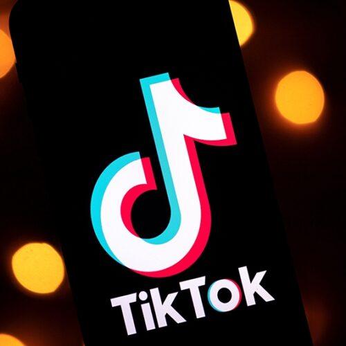 """Pakistán bloquea TikTok en su país por """"contenido indecente"""""""