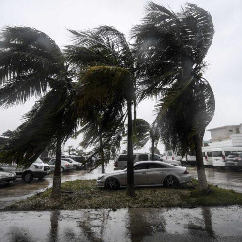 Huracán Delta retoma fuerza en el Golfo mientras se dirige a los EEUU