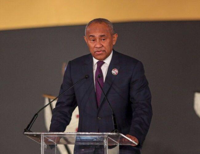 Más casos de corrupción dentro de la FIFA: Presidente de la CAF es suspendido