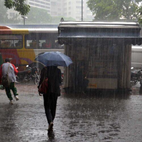 Lluvias no cesan: Ondas tropicales seguirán afectando al país