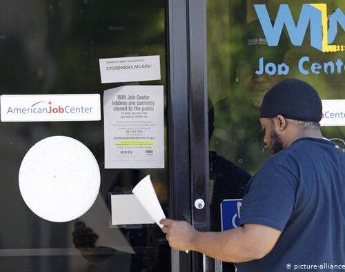 Millones de estadounidenses perderán prestaciones por desempleo por decisión de Trump