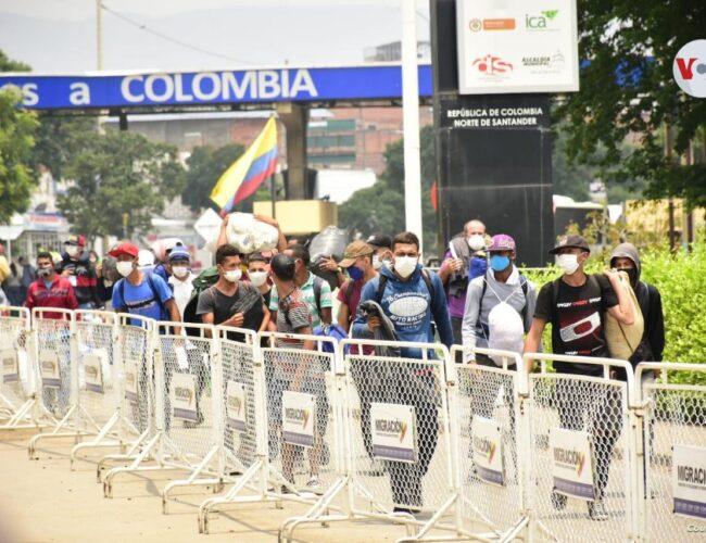 Colombia advirtió que no vacunará a migrantes ilegales