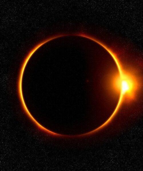 Echa un vistazo de como evolucionó el eclipse total en Chile