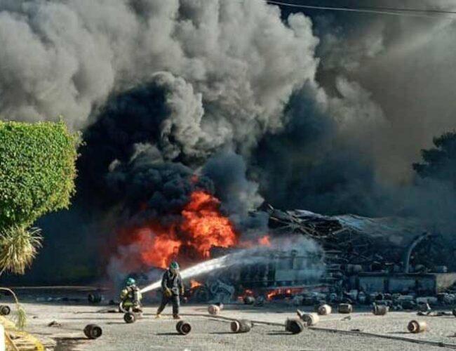 Video | Gran explosión e incendio en una planta de gas en el Salvador
