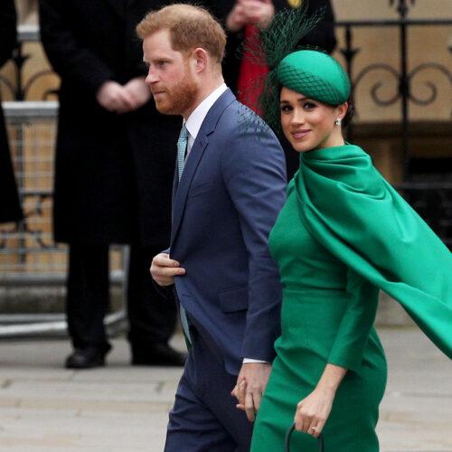 Abuchean a Meghan Markle y al príncipe Harry en una gala en Londres