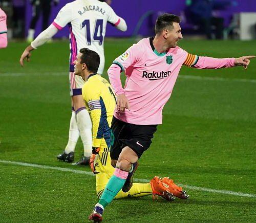 Messi sobrepasa a Pelé y se convierte en el más anotador en un solo club