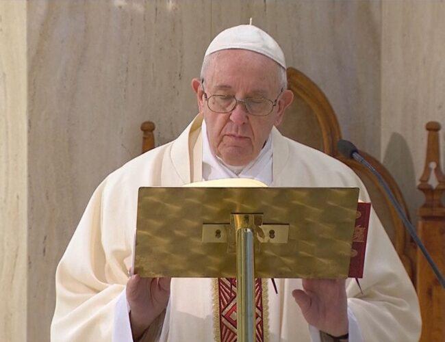 Dos cardenales cercanos al Papa Francisco contraen Covid-19