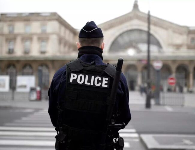 Francia: Hombre mata a 3 policías durante un llamado de violencia doméstica