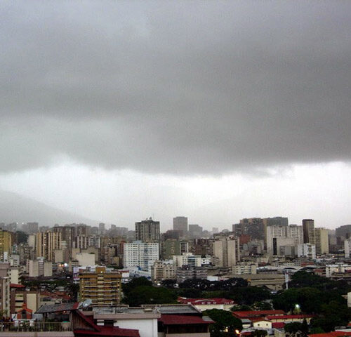 Pronostican cielos nublados y lluvias en gran parte del país