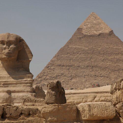 Redescubren artefacto egipcio en Escocia dentro de una caja de cigarros