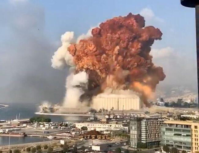 Líbano: Primer ministro y exministros acusados por explosión en Beirut