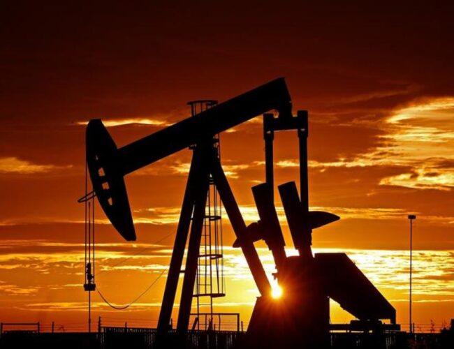 Petróleo sube a 50 dólares el barril tras el compromiso de suministro de la OPEP+