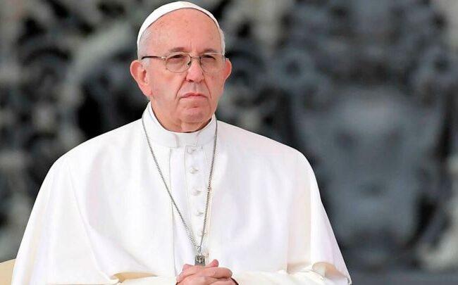 El papa Francisco insiste que nulidad matrimonial puede ser gratuita