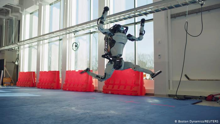 Video | Boston Dynamics busca empatía por los robots con baile