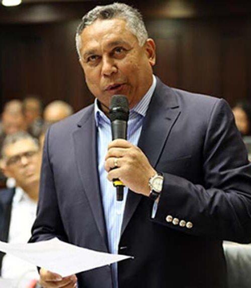 Pedro Carreño sugiere confiscar bienes a opositores inmersos en tramas de corrupción
