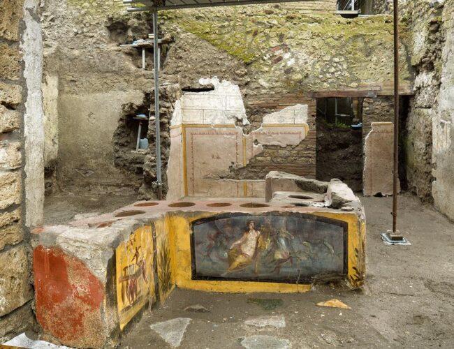 """Arqueólogos descubren un lugar de """"comida callejera"""" en las ruinas de Pompeya"""