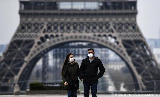 """Francia: Principal asesor de salud sugiere que un tercer bloqueo """"sea probablemente necesario"""""""