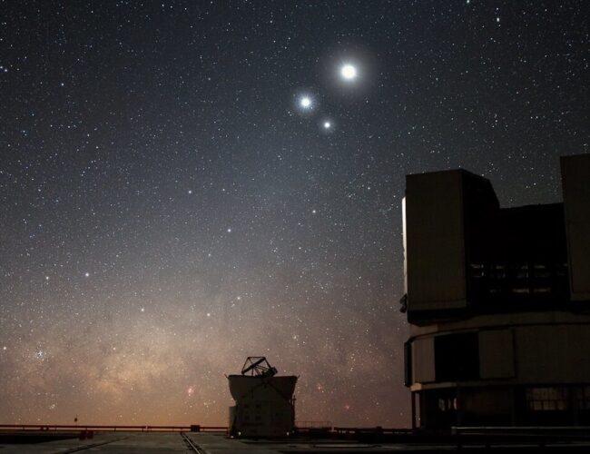 """""""Triplete"""" planetario: Júpiter, Saturno y Mercurio se unen en una triple conjunción"""
