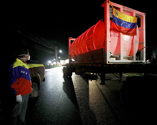 Venezuela dona camiones de oxígeno por crisis sanitaria en Brasil