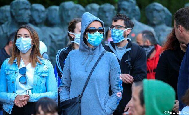 Pandemia del coronavirus ha dejado al menos 2 millones 368 mil muertos