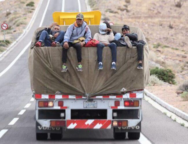 Migrantes venezolanos buscan rutas alternas para llegar a Chile