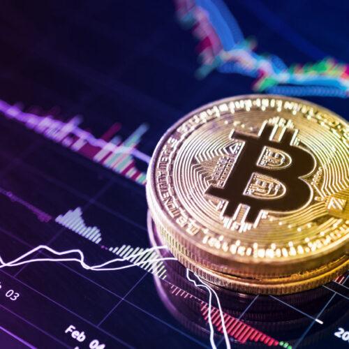 Bitcoin sigue en alza y alcanza los 50.000 dólares