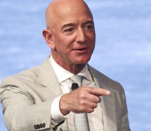 Jeff Bezos, fundador de Amazon, deja su puesto como director ejecutivo