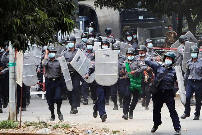 Myanmar: dos personas murieron en protestas contra el golpe militar