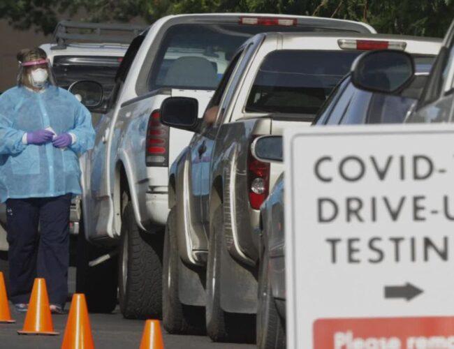 EEUU: Promedio de casos de COVID-19 por debajo de 100.000 por primera vez en meses