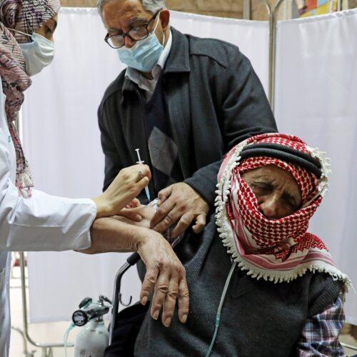Ingresaron las primeras vacunas a Gaza después de que Israel las retuviera