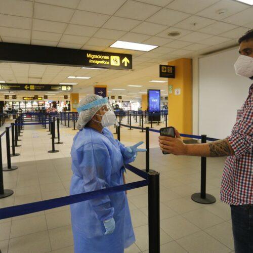 Perú suspende vuelos proveniente de Reino Unido, Brasil y Sudáfrica