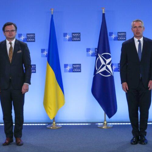 La OTAN y Estados Unidos prometen apoyo a Ucrania y advierten a Rusia sobre tropas