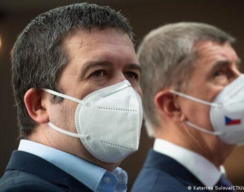 Gobierno checo amenaza con expulsar a todos los diplomáticos rusos