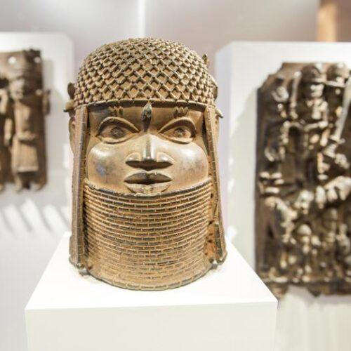 """Alemania devolverá los """"Bronces de Benin"""" saqueados durante la época colonial"""