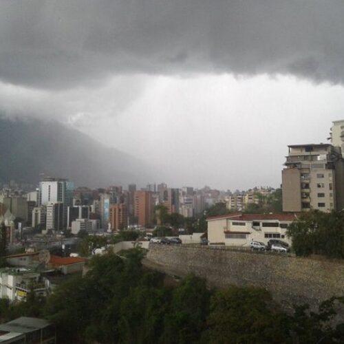 Inameh pronostica lluvias durante las próximas horas por el paso de una vaguada